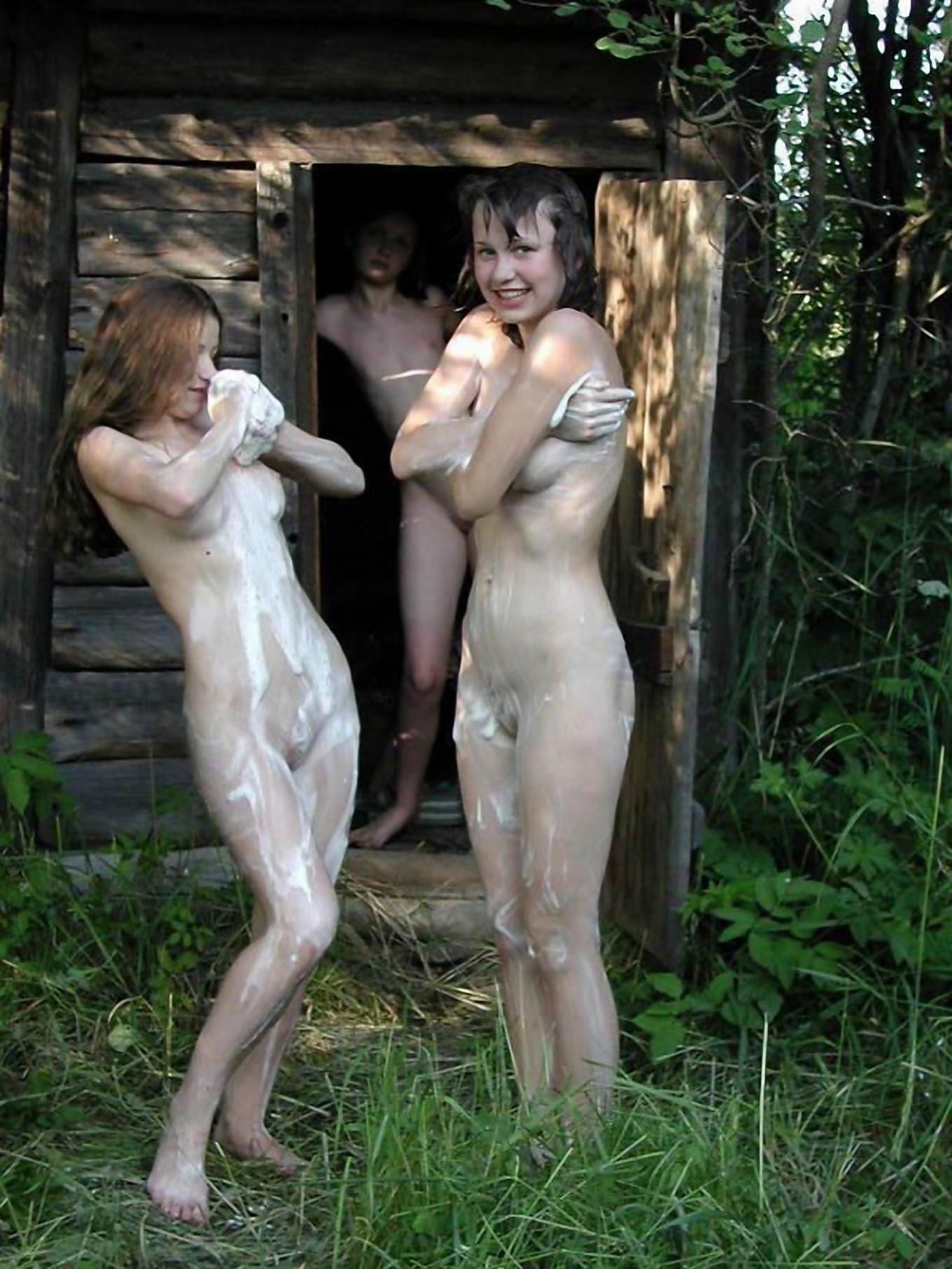 Секс русской девушки в деревне в бане