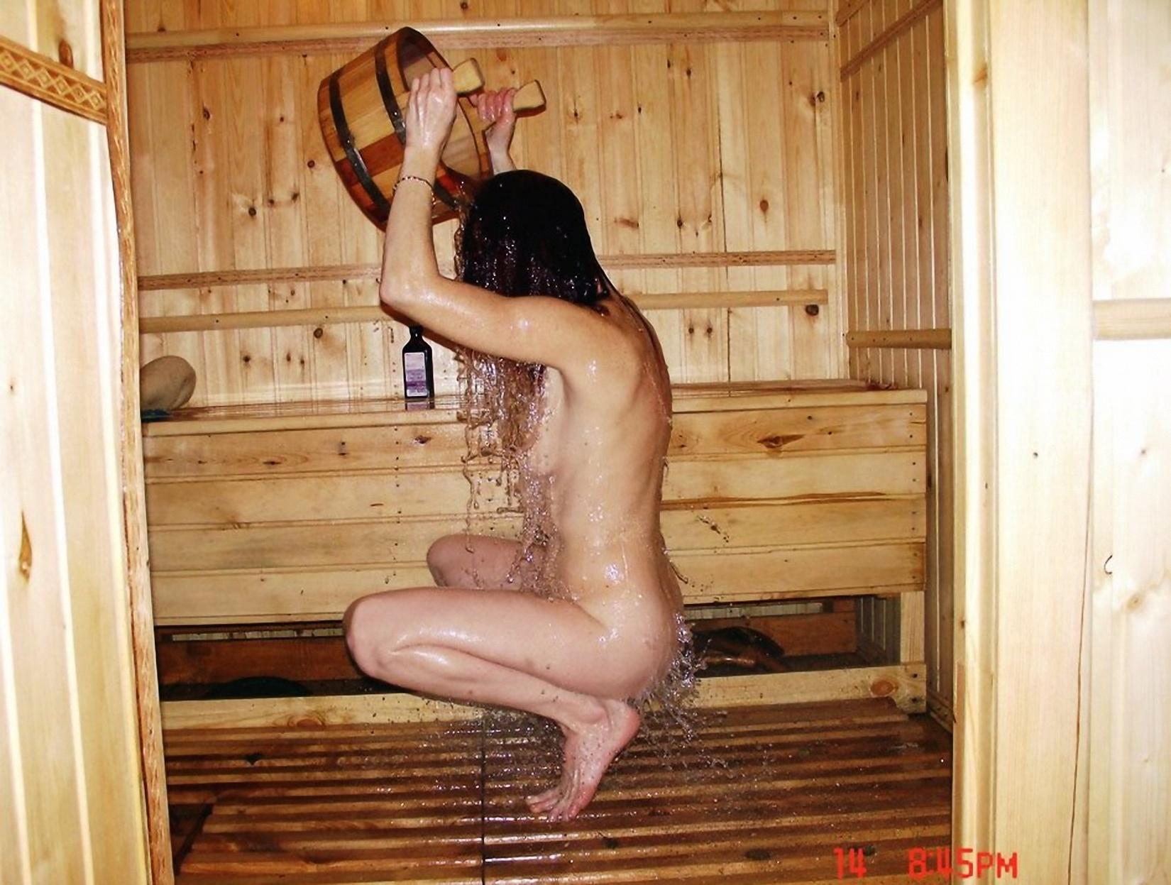 Русская девушка в бане 13 фотография